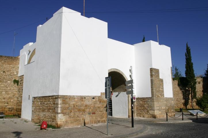 Arco do Repouso (Fonte: www.cm-faro.pt)